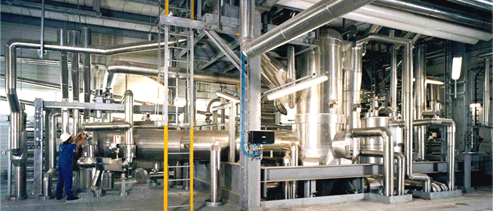 Process vapour operated ejectors in a glycol plant